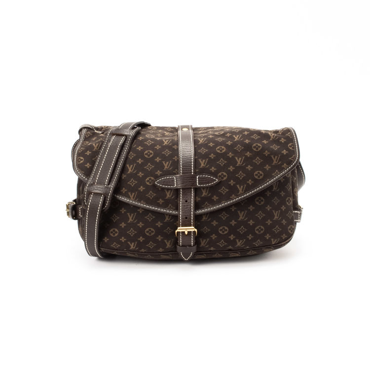 04b35eafffd7 ... Louis Vuitton Saumur 30 messenger   crossbody bag. This elegant  messenger   crossbody bag was crafted in monogram mini lin coated canvas in  ebene.
