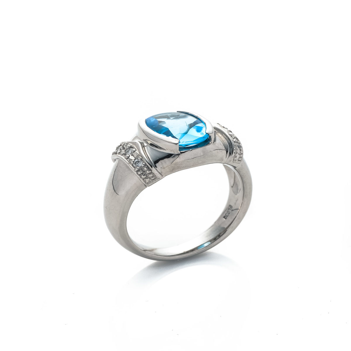 ring emerald cut image topaz products and white diamond windows blue