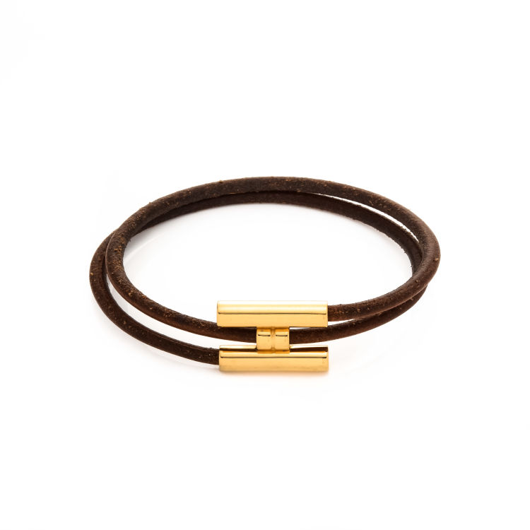 3fbf918f71f The authenticity of this vintage Hermès Tournis Bracelet bracelet   bangle  is guaranteed by LXRandCo. This luxurious bracelet   bangle was crafted in  ...