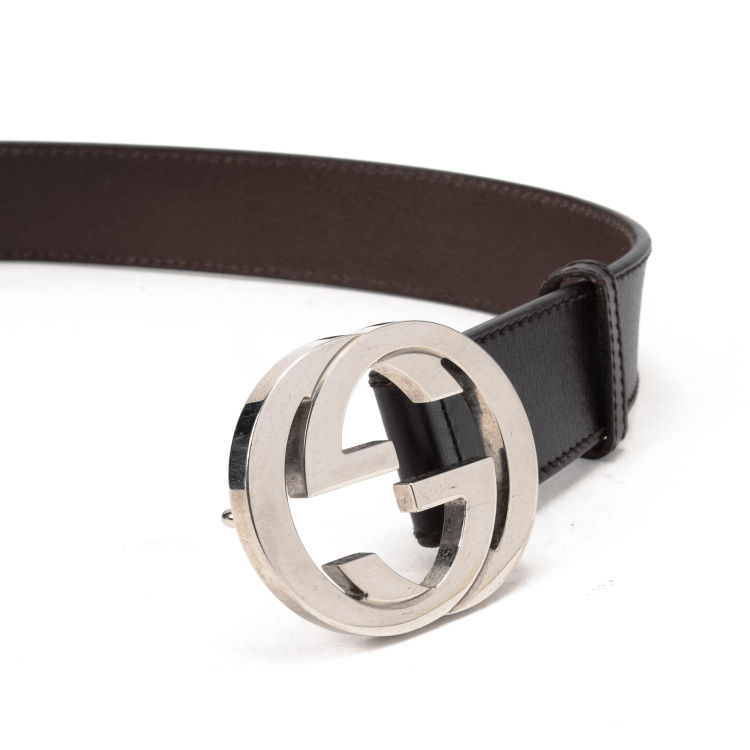 66fd17403 The authenticity of this vintage Gucci Interlocking G Buckle belt is  guaranteed by LXRandCo. Crafted in leather, this iconic belt comes in dark  brown.