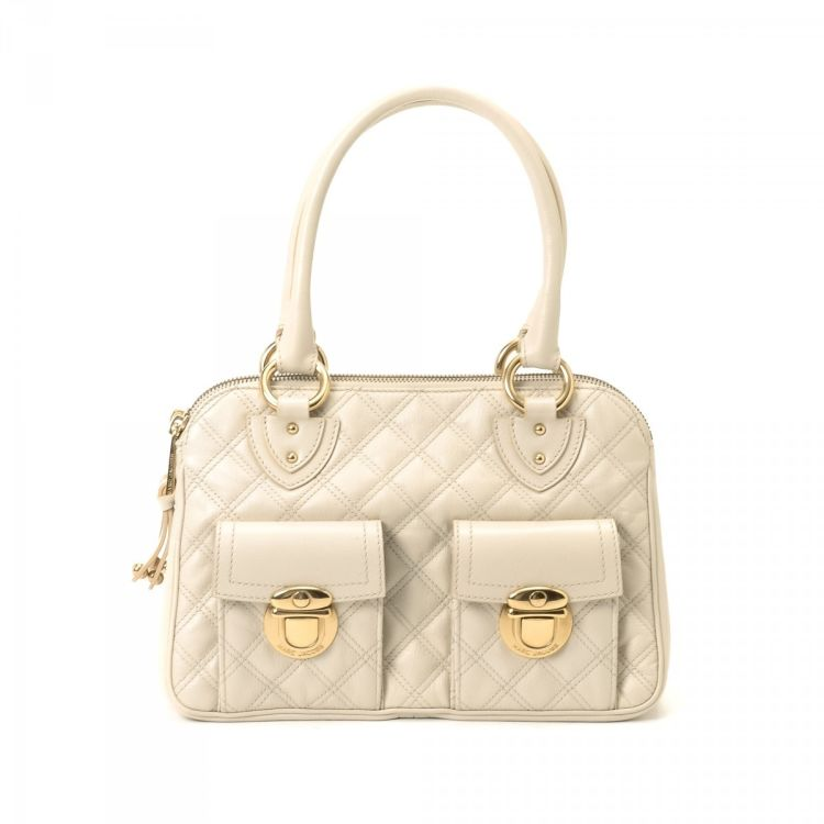 65874b682bd LXRandCo guarantees the authenticity of this vintage Marc Jacobs Quilted Blake  Bag handbag. This luxurious handbag comes in ivory leather.