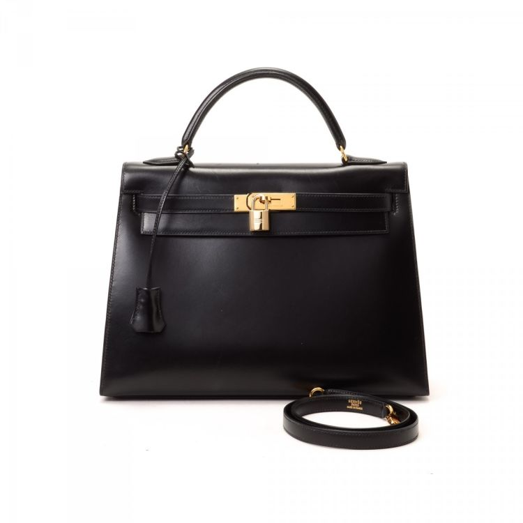 a38153234b The authenticity of this vintage Hermès Hermes Kelly handbag is guaranteed  by LXRandCo. This lovely handbag in beautiful black is made in kelly 32  (sellier, ...