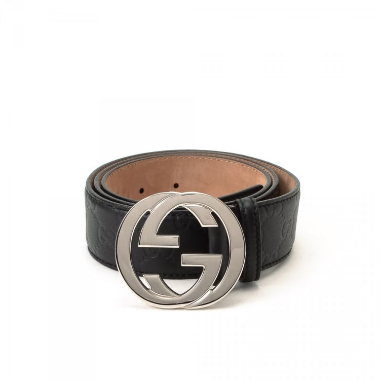 d98a50f9625 The authenticity of this vintage Gucci belt is guaranteed by LXRandCo. This  beautiful belt in black is made in guccissima leather. Due to the vintage  nature ...
