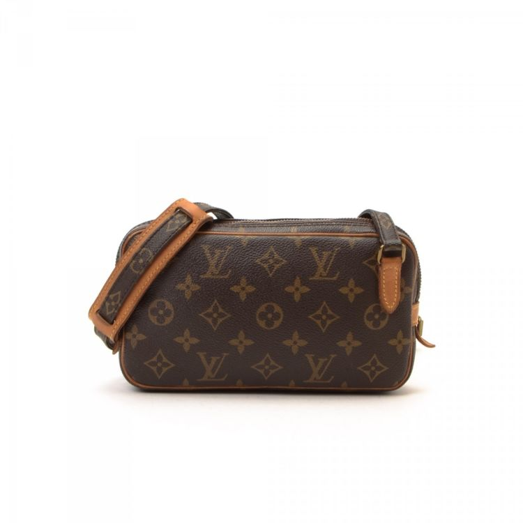 0ab4f910bd53 LXRandCo guarantees this is an authentic vintage Louis Vuitton Marly  Bandouliere messenger   crossbody bag. This everyday messenger   crossbody  bag in ...