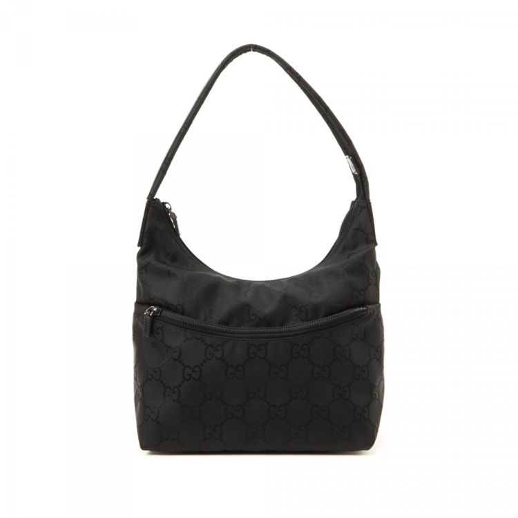e83112203f3f The authenticity of this vintage Gucci Hobo Bag shoulder bag is guaranteed  by LXRandCo. Crafted in gg nylon, this luxurious purse comes in beautiful  black.