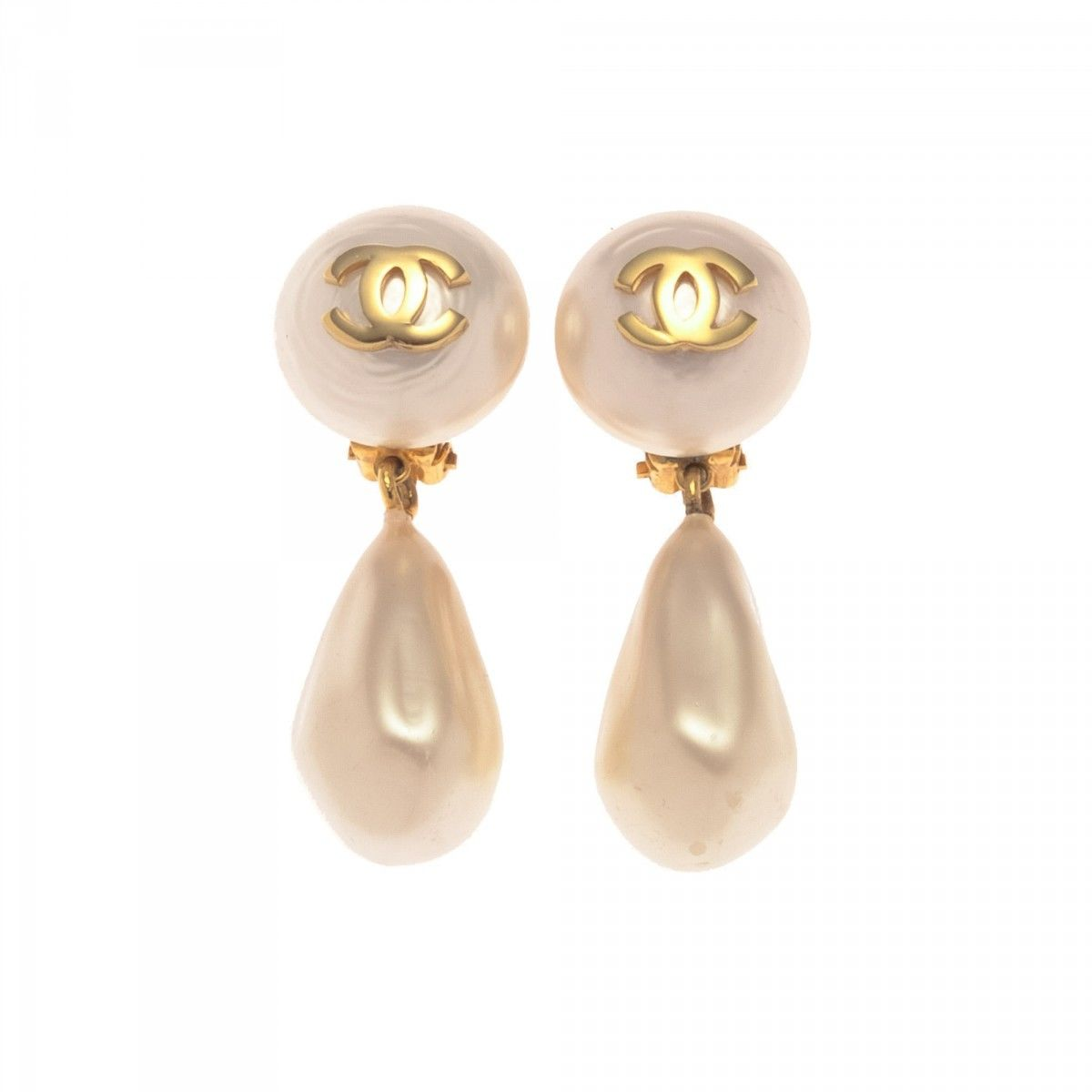 Chanel Cc Logo Faux Pearl Drop Clip On Earrings Plastic Lxrandco Pre Owned Luxury Vintage