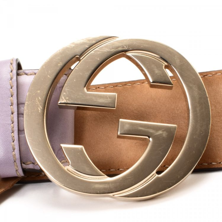 d6f526ab4 LXRandCo guarantees this is an authentic vintage Gucci Interlocking G belt.  Crafted in guccissima leather, this exquisite belt comes in lilac.