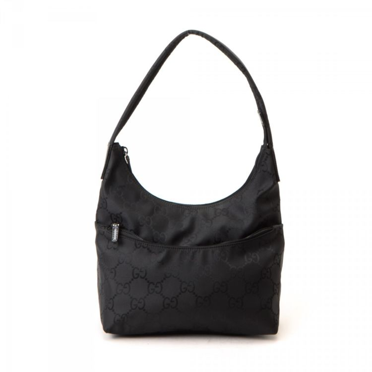 050530ca452 LXRandCo guarantees this is an authentic vintage Gucci Hobo Bag shoulder bag.  This luxurious pocketbook in black is made in gg nylon.