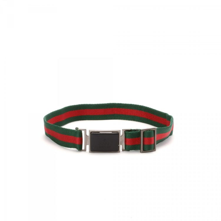 b5fdc29f54c LXRandCo guarantees the authenticity of this vintage Gucci belt. This  everyday belt in beautiful green is made of nylon. Due to the vintage  nature of this ...