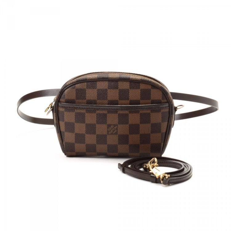 9d62140c3ea8 ... authentic vintage Louis Vuitton Pochette Ipanema messenger   crossbody  bag. This stylish saddle bag was crafted in damier ebene coated canvas in  brown.