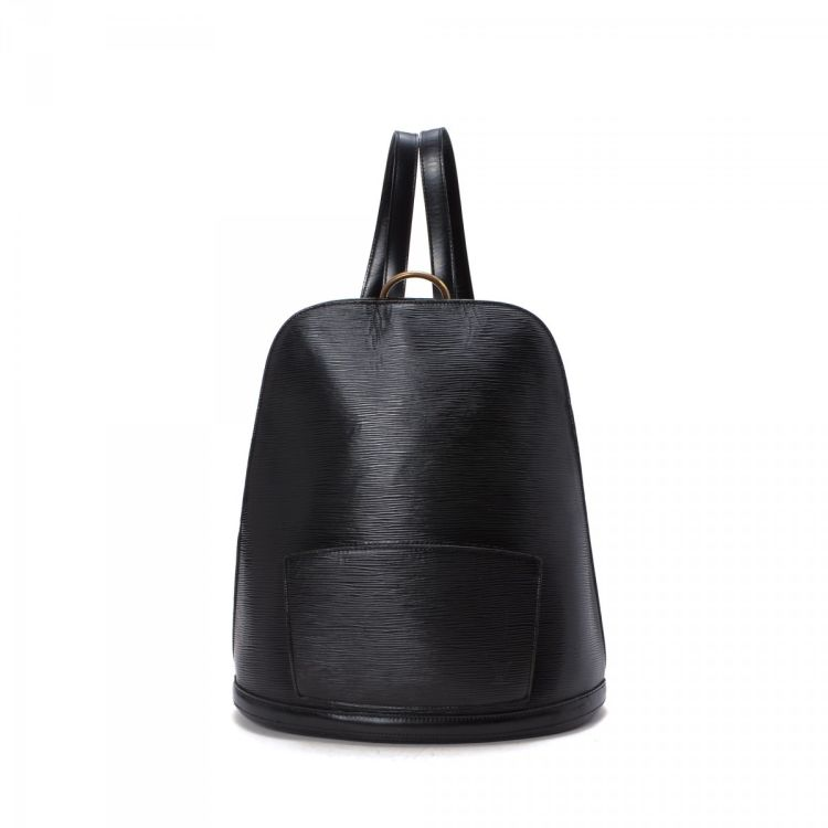 d64b93bde261 The authenticity of this vintage Louis Vuitton Gobelins backpack is  guaranteed by LXRandCo. This lovely school bag was crafted in epi leather  in black.