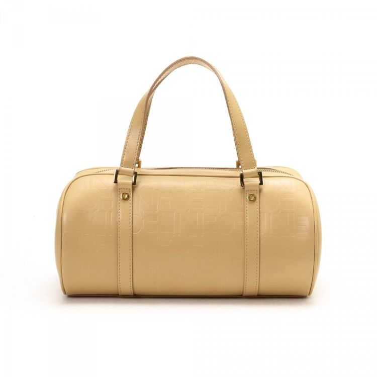 The authenticity of this vintage Céline Small Boston Bag travel bag is  guaranteed by LXRandCo. This chic baggage comes in elegant leather. 8966db8986