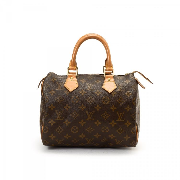 ef68d585b2c8 LXRandCo guarantees this is an authentic vintage Louis Vuitton Speedy 25 travel  bag. This practical travel bag comes in refined coated canvas.