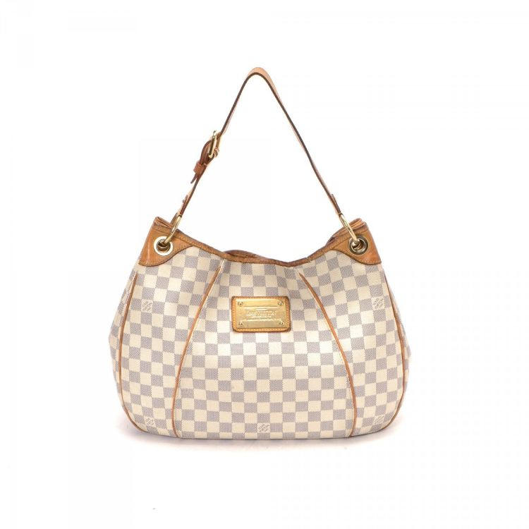 4d4cc87d7b33 The authenticity of this vintage Louis Vuitton Galliera PM shoulder bag is  guaranteed by LXRandCo. This luxurious bag was crafted in damier azur  coated ...