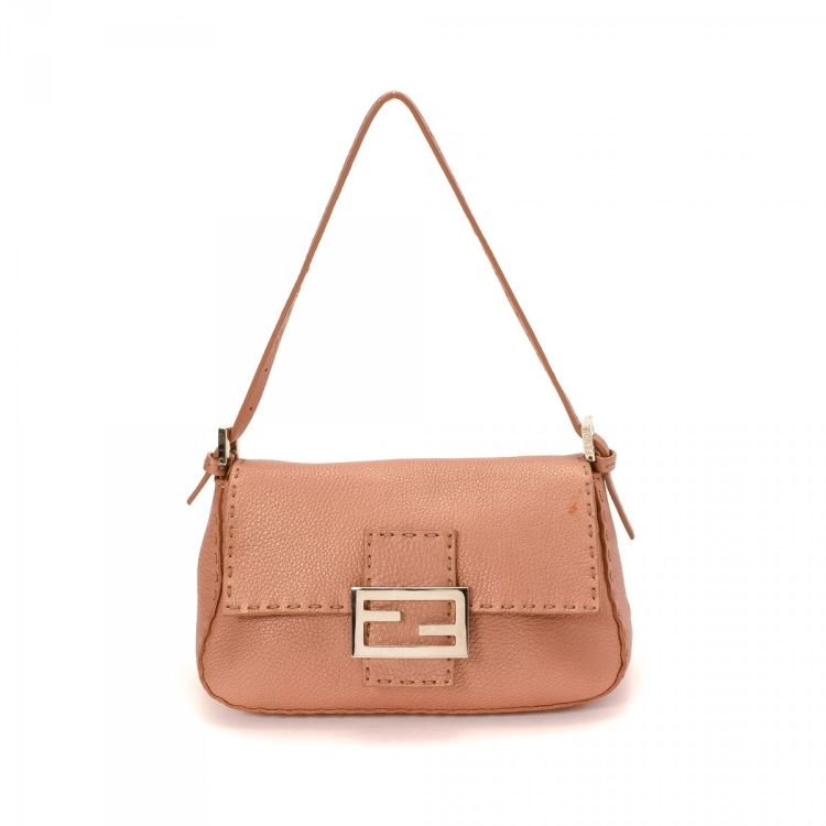 LXRandCo guarantees the authenticity of this vintage Fendi Selleria Mini Mamma  Baguette handbag. This luxurious bag in pink is made of leather. c368d0a95e