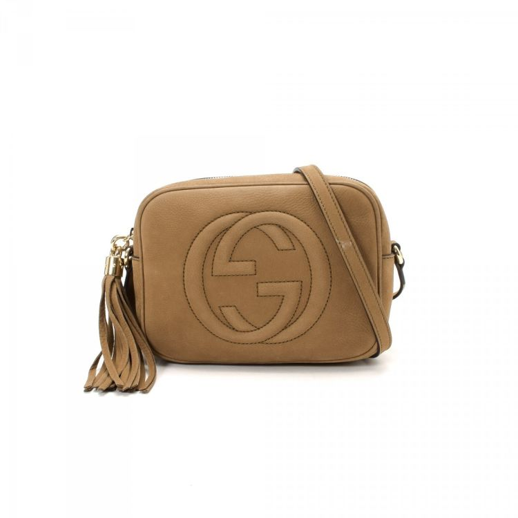 ec2d5f4b23d LXRandCo guarantees this is an authentic vintage Gucci Soho Disco Bag  shoulder bag. This refined shoulder bag comes in nubuck. Good condition   (AB)