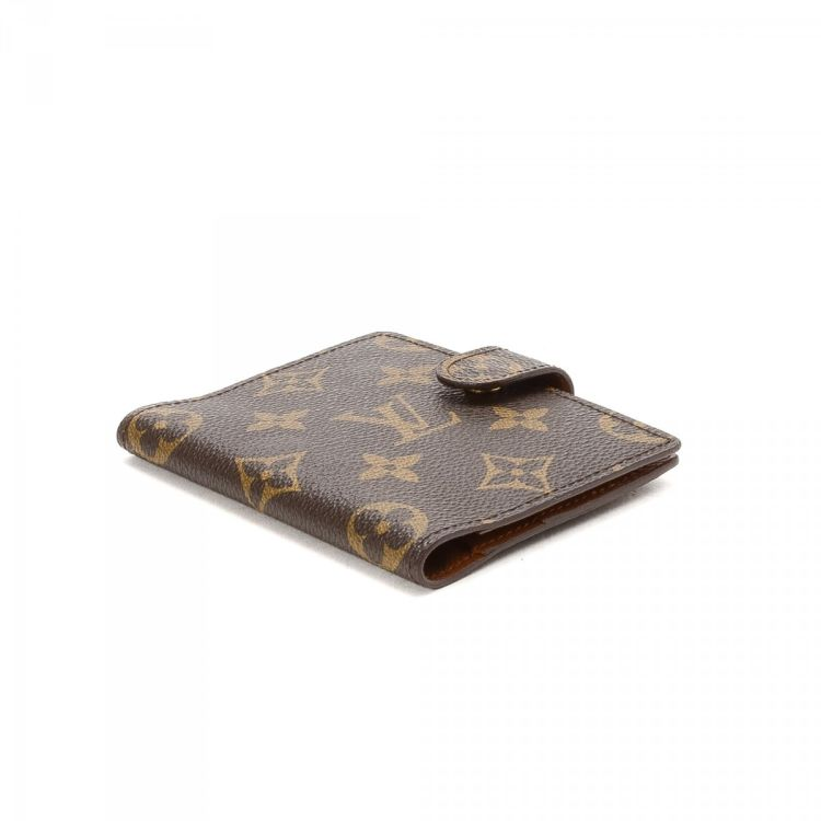 e26a9201919c The authenticity of this vintage Louis Vuitton Mini Agenda Cover other small  leather good is guaranteed by LXRandCo. This sophisticated small leather  good ...