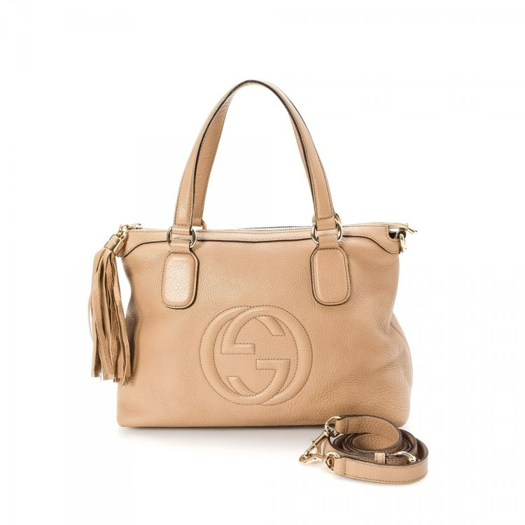 b0f36ea7f LXRandCo guarantees this is an authentic vintage Gucci Soho tote. This  stylish work bag in rose ballerine is made of leather. Due to the vintage  nature of ...
