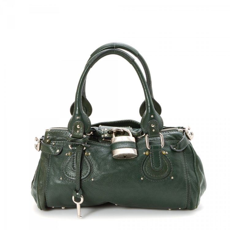 0074552a94 LXRandCo guarantees the authenticity of this vintage Chloé Paddington  handbag. Crafted in leather