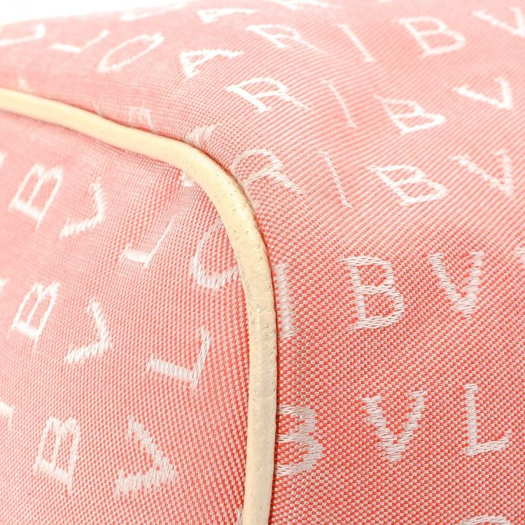 a3cca8580f32 LXRandCo guarantees this is an authentic vintage Bulgari Logomania Boston  Bag travel bag. Crafted in canvas