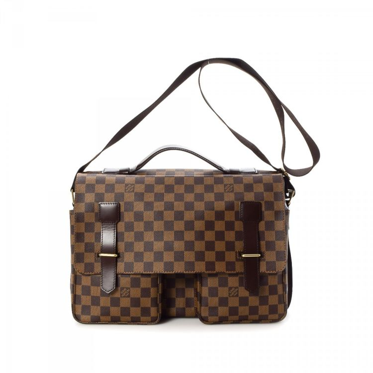 758c210d12f9 LXRandCo guarantees the authenticity of this vintage Louis Vuitton Broadway  messenger   crossbody bag. This beautiful hobo bag was crafted in damier  ebene ...