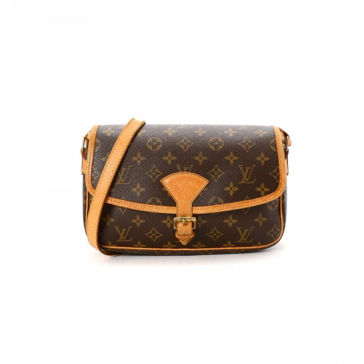 6b302bd07e7e LXRandCo guarantees this is an authentic vintage Louis Vuitton Sologne  messenger   crossbody bag. Crafted in monogram coated canvas