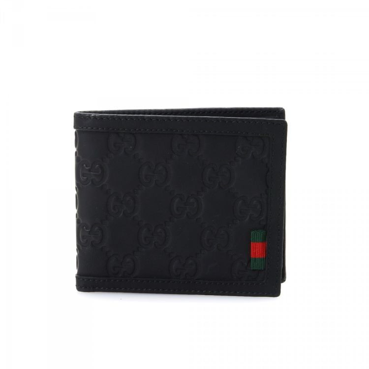 203a072a579 LXRandCo guarantees the authenticity of this vintage Gucci Billfold wallet.  This refined coin purse in black is made in gg leather.