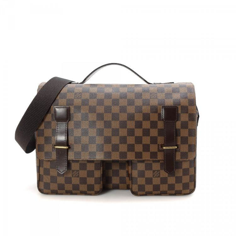 c05fba5155f0 LXRandCo guarantees this is an authentic vintage Louis Vuitton Broadway  messenger   crossbody bag. This lovely hobo bag in brown is made in damier  ebene ...
