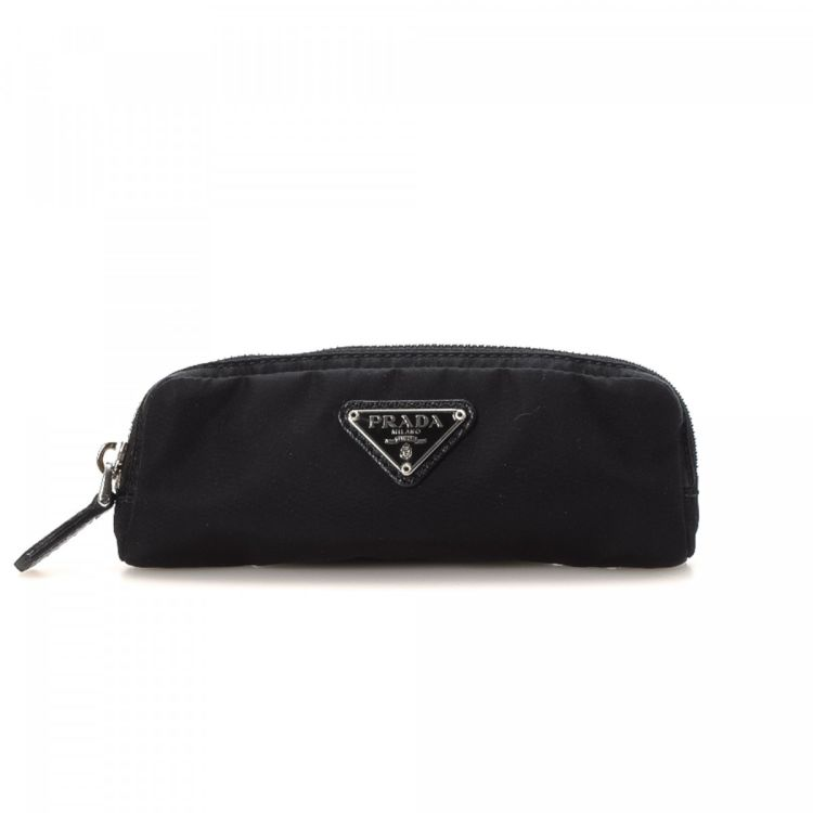 6971ca231ec6 LXRandCo guarantees this is an authentic vintage Prada Tessuto Key Pouch  other small leather good. This sophisticated small leather good was crafted  in ...