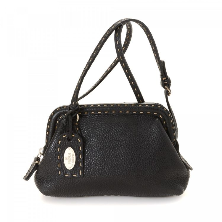 3cfd9c04d582 LXRandCo guarantees the authenticity of this vintage Fendi Selleria  shoulder bag. This iconic pocketbook comes in beautiful black leather.