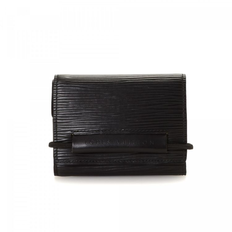11fbc9cd79ed LXRandCo guarantees the authenticity of this vintage Louis Vuitton Elastic  wallet. This beautiful slimfold was crafted in epi leather in black.