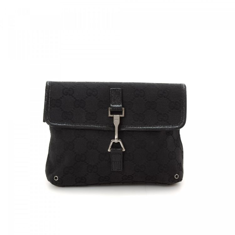 053bfe1d33e LXRandCo guarantees the authenticity of this vintage Gucci Waist Pouch  vanity case   pouch. This chic toiletry bag was crafted in gg canvas in  black.