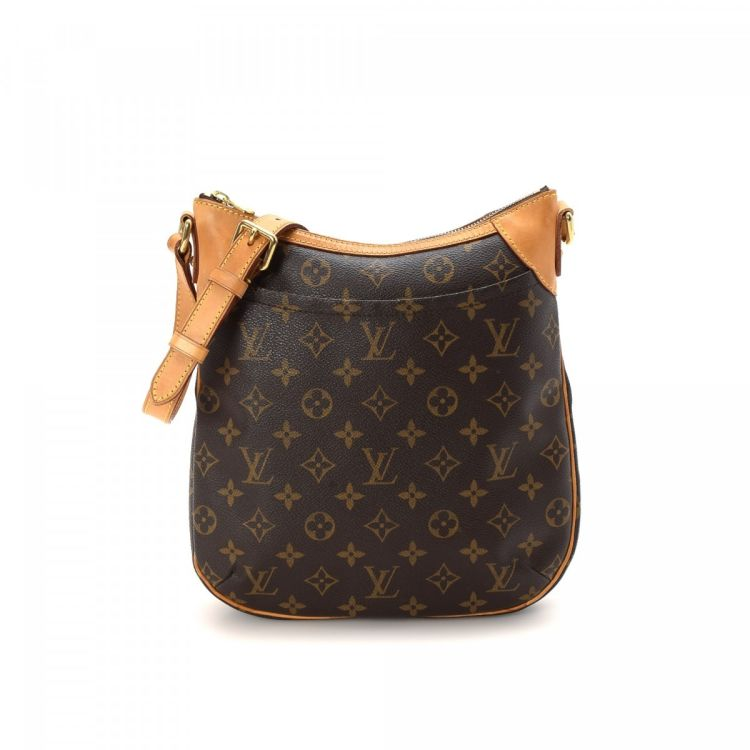 bca3e68121d7 LXRandCo guarantees the authenticity of this vintage Louis Vuitton Odeon PM  messenger   crossbody bag. Crafted in monogram coated canvas