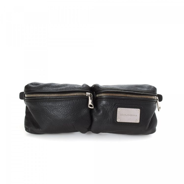 ef48cb91fa The authenticity of this vintage Dolce   Gabbana Waist Pouch vanity case    pouch is guaranteed by LXRandCo. This exquisite cosmetic case comes in  black ...