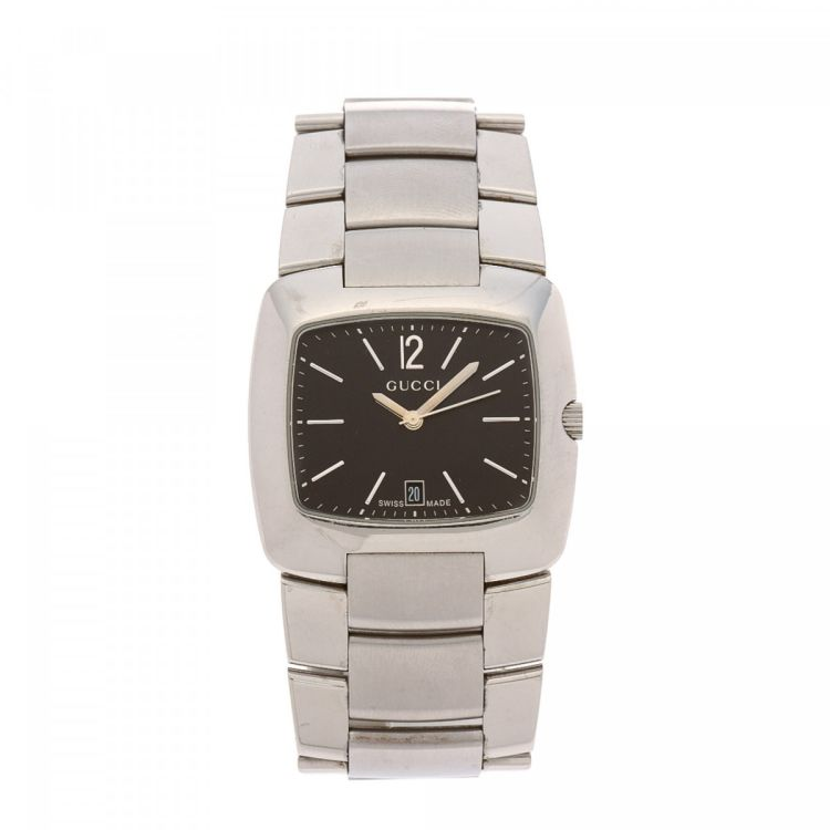 364b12a5591 The authenticity of this vintage Gucci 8500M Timepiece watch is guaranteed  by LXRandCo. This iconic watch comes in silver stainless steel.