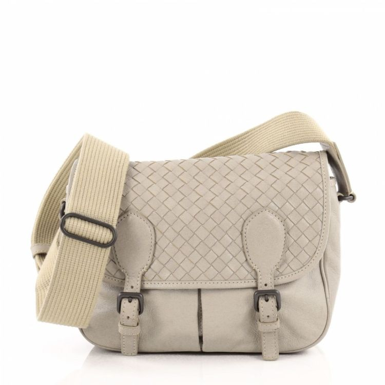 Bottega Veneta Gardena Messenger Bag Cervo Leather with Intrecciato Detail  Small a2f379f764