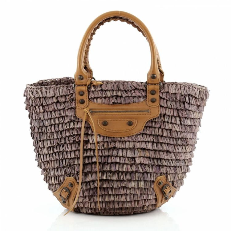 8418fe3c81a1 LXRandCo guarantees this is an authentic vintage Balenciaga Panier Basket  Woven Small tote. Crafted in raffia, this stylish tote bag comes in  beautiful ...