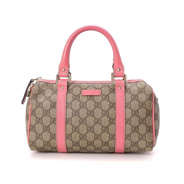 88fdbd84d98 The authenticity of this vintage Gucci Joy Boston Bag travel bag is  guaranteed by LXRandCo. This elegant carry on was crafted in gg supreme  coated canvas in ...