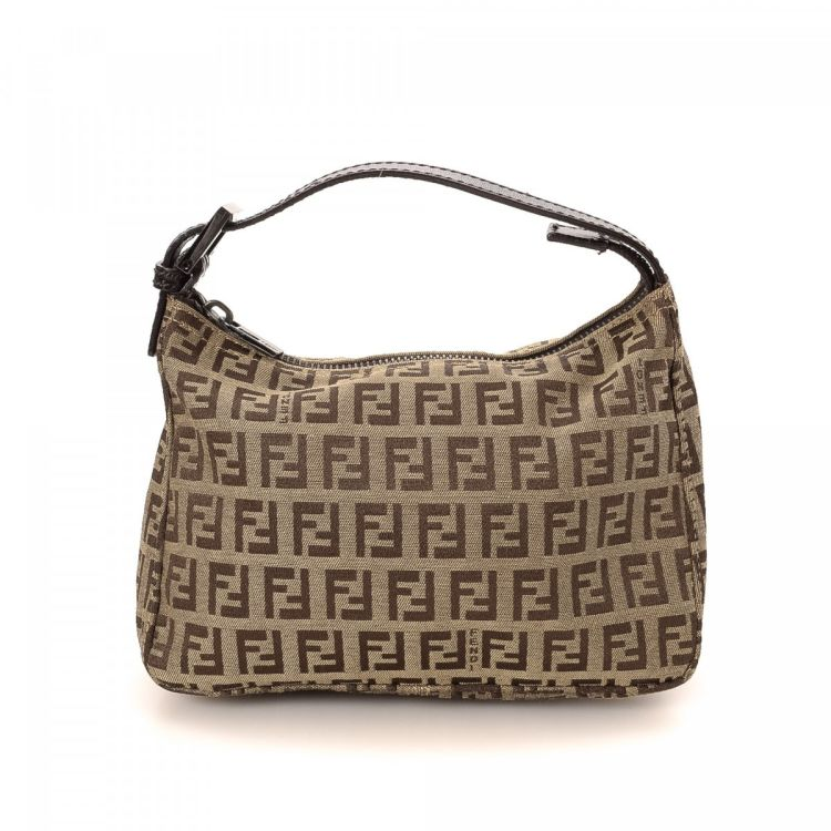 847a7f651045 LXRandCo guarantees the authenticity of this vintage Fendi handbag. This  everyday bag was crafted in zucca canvas in brown. Very good condition  (A)