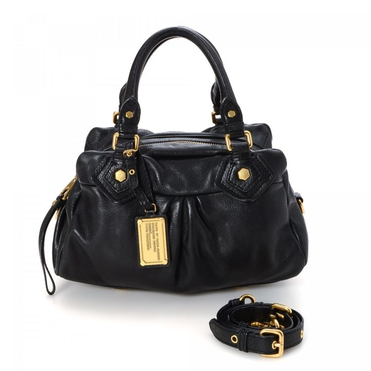 0b88f18b6 LXRandCo guarantees the authenticity of this vintage Marc by Marc Jacobs  Two Way Bag shoulder bag. This classic purse in black is made of leather.