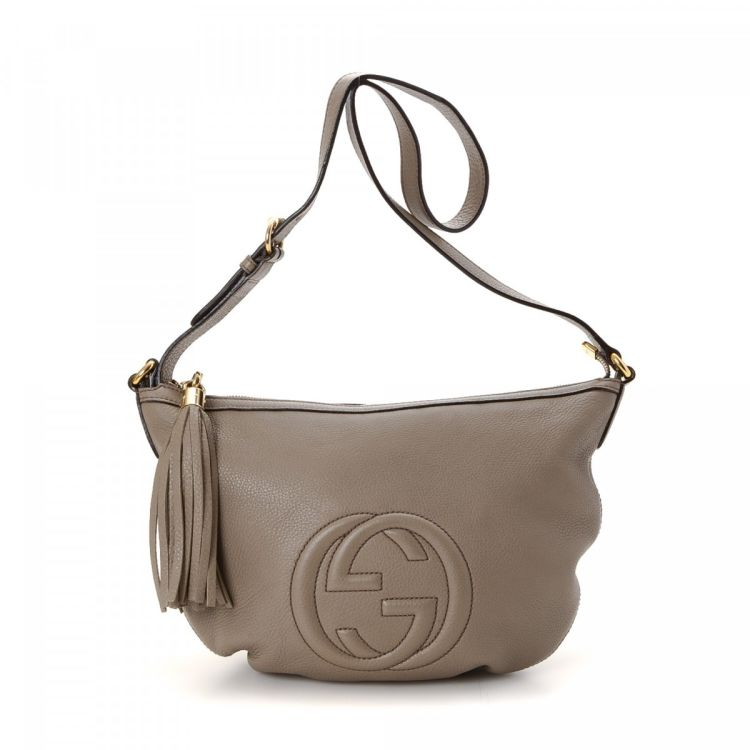 8eabb10c89ae LXRandCo guarantees the authenticity of this vintage Gucci Crossbody Bag  messenger & crossbody bag. Crafted in soho leather, this lovely crossbody  comes in ...