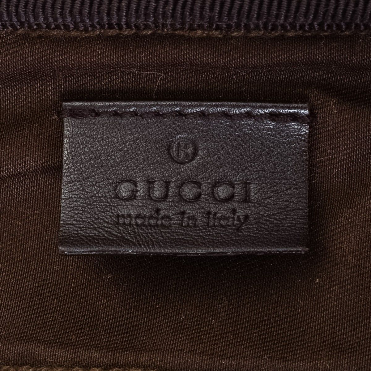 0880aef0539 Gucci GG Supreme Shirt Case. LXRandCo guarantees the authenticity of this vintage  Gucci Shirt Case travel bag. This beautiful weekend bag was crafted ...