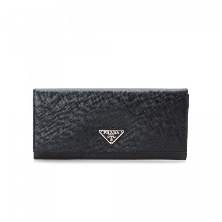 63860199f509 The authenticity of this vintage Prada Long wallet is guaranteed by LXRandCo.  This classic card case was crafted in saffiano leather in beautiful black.