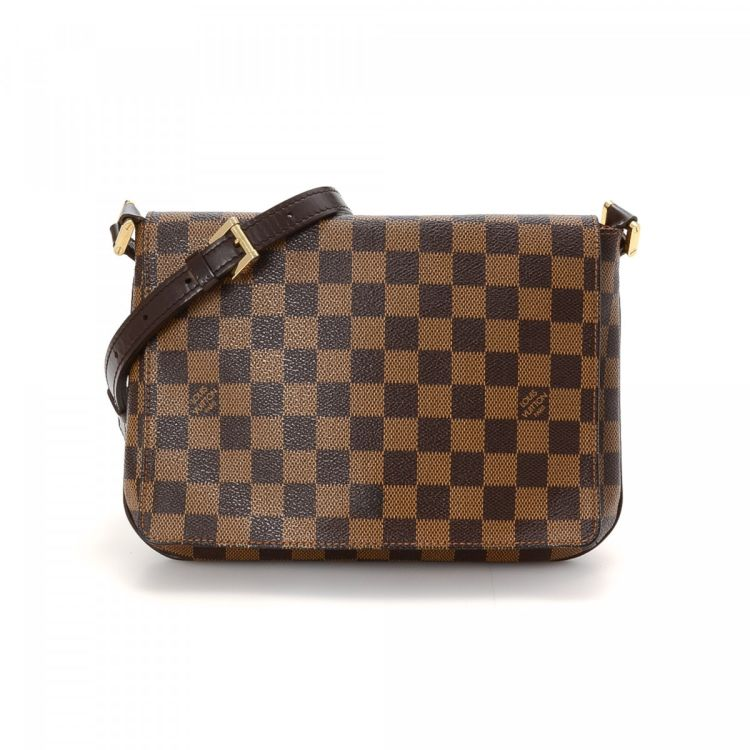a04a1e96b53c LXRandCo guarantees the authenticity of this vintage Louis Vuitton Musette  Tango Long Strap messenger   crossbody bag. Crafted in damier ebene coated  canvas ...