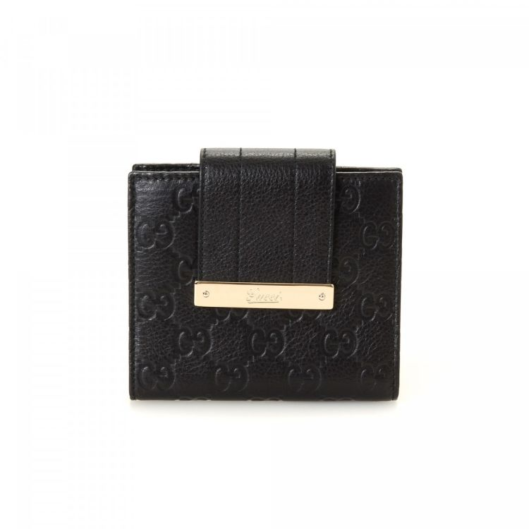 a1c696cb73a LXRandCo guarantees this is an authentic vintage Gucci Guccissima Two Fold  wallet. This sophisticated billfold in black is made in guccissima leather.
