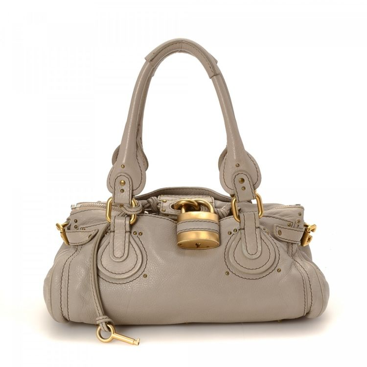 084736740c61 LXRandCo guarantees this is an authentic vintage Chloé Paddington handbag.  Crafted in leather