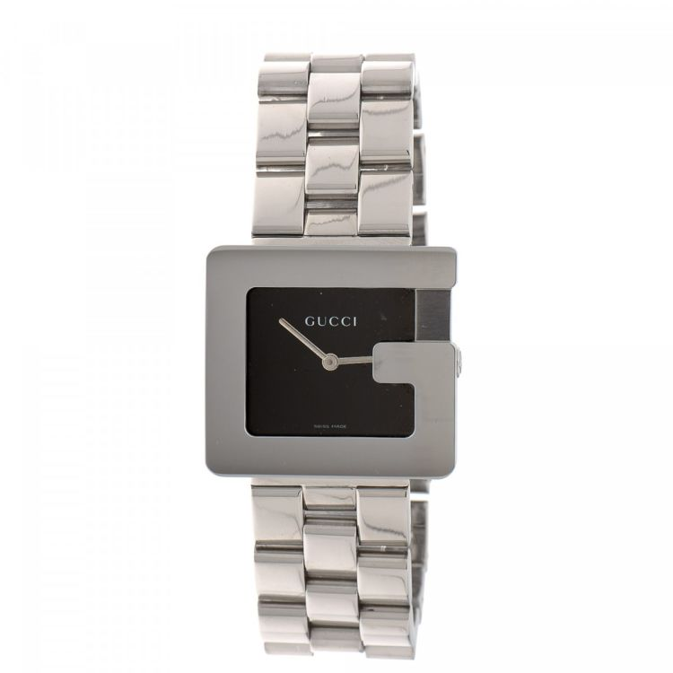 2be951f2b13 LXRandCo guarantees this is an authentic vintage Gucci 3600M Timepiece 32mm  watch. This sophisticated timepiece comes in silver stainless steel.