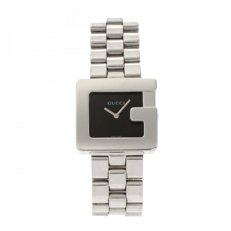 d595aa92546 ... guarantees the authenticity of this vintage Gucci 3600M Timepiece 32mm  watch. This luxurious timepiece in beautiful silver is made of stainless  steel.
