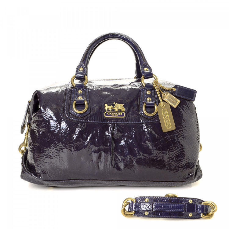 Lxrandco Guarantees The Authenticity Of This Vintage Coach Madison Large Sabrina Bag Handbag Iconic Comes In Beautiful Plum Patent Leather