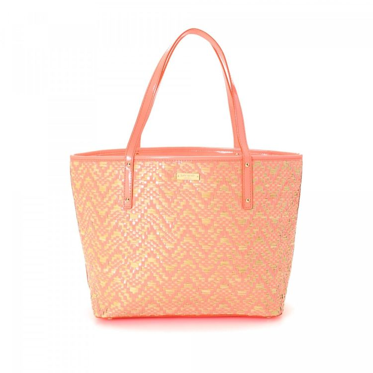 1a61922832f2 LXRandCo guarantees the authenticity of this vintage Kate Spade Bag tote.  This refined tote in pink is made of raffia. Due to the vintage nature of  this ...